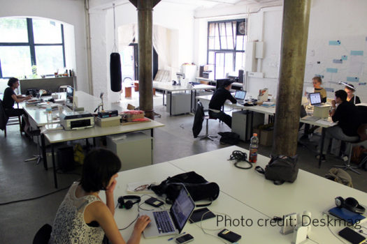 Coworking spaces bring together freelances and innovators in big cities.